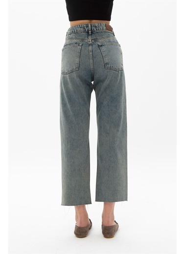 Female Project Mavi Yıkama Kesik Paça Yüksek Bel Mom Jeans Mavi